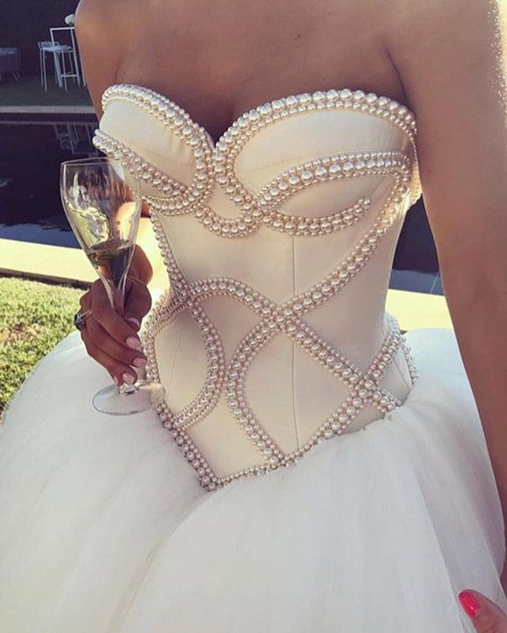 Pearl Beaded Corset Sweetheart Wedding Dresses Ball Gowns 2018