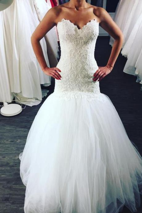 Strapless Sweetheart Lace Appliqués Tulle Mermaid Wedding Dress