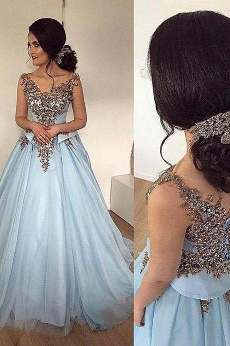 Gorgeous Ball Gown Prom Dresses 2018 New Design Appliques Long Party Dress Sweep Train Evening Gowns Sky Blue Prom Dress