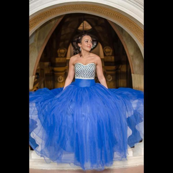 Royal Blue Ball Gown Prom Dresses 2017 Sweetheart Crystals Long Party Gowns Fashionable Puffy Prom Dress Evening Wear vestidos